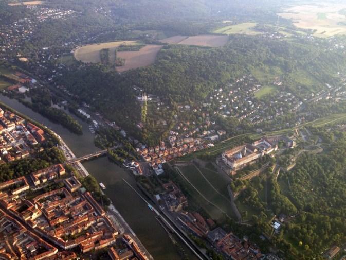 Löwenbrücke und Festung Marienberg