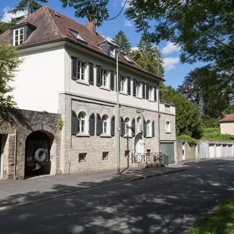 Gepflegte Häuser aus vergangenen Tagen im Steinbachtal.