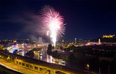 Eines der absoluten Higlihts bei Kiliani sind die beiden großen Feuerwerke am ersten und letzten Tag. (Foto: www.wuerzburg-fotos.de)