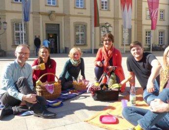 Lobby für Familien feiert 25 Jahre und fordert den OB heraus