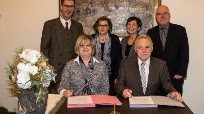Stadt Würzburg übernimmt Aufgaben der Standesämter Zell a. Main und Theilheim