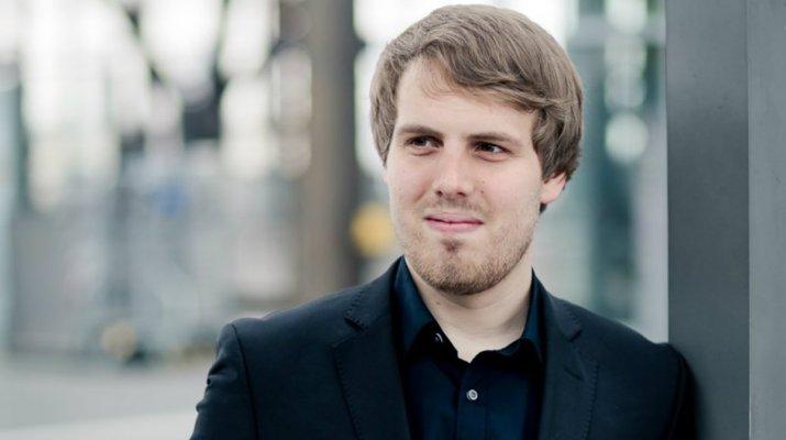 Stabwechsel am Mainfranken Theater: Gábor Hontvári wird Erster Kapellmeister