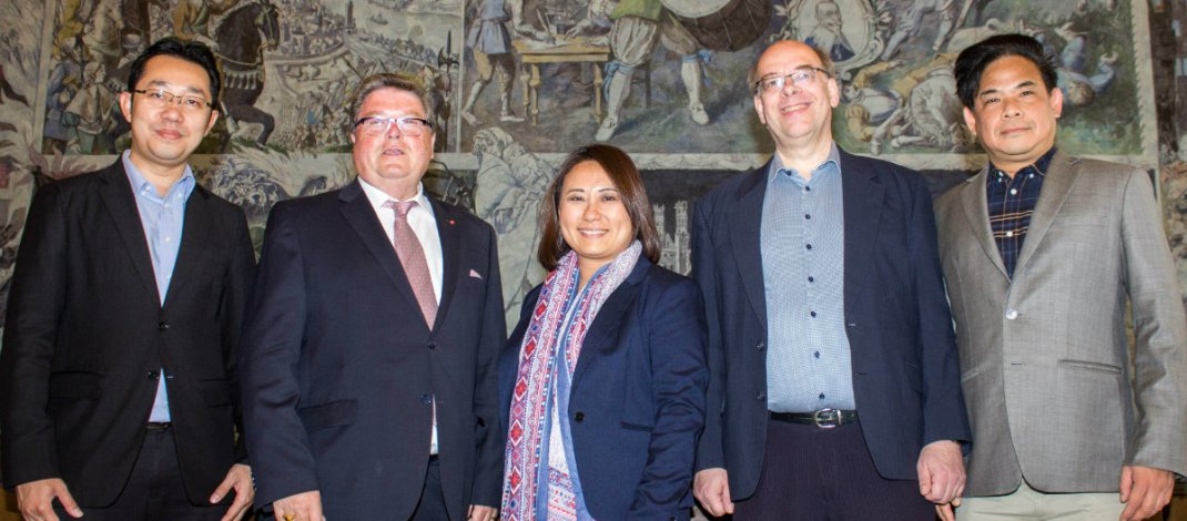 Bürgermeister Bauer empfängt Delegation aus Bangkok