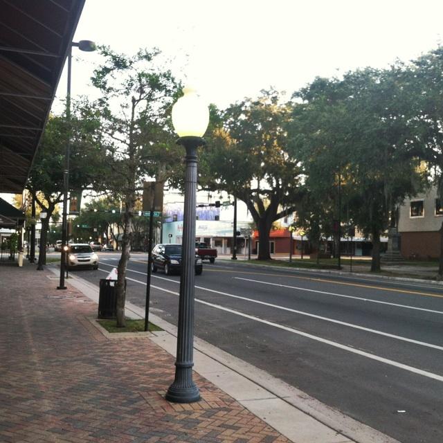 gainesville s main street light poles