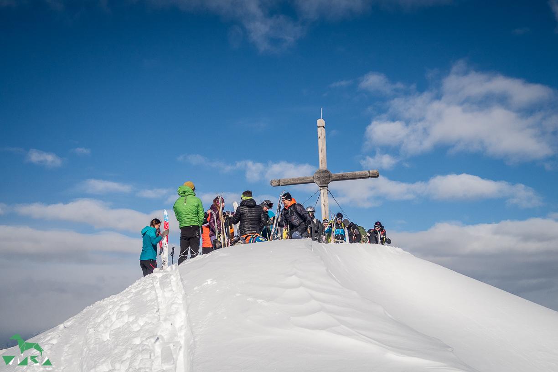 Etwas eng am Gipfel Benzegg