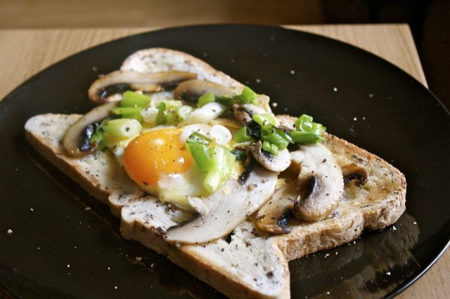 fry, up, breakfast, egg, yolk, mushrooms, spring, onions, portobello, genius, gluten, free, bread, brunch, leftovers