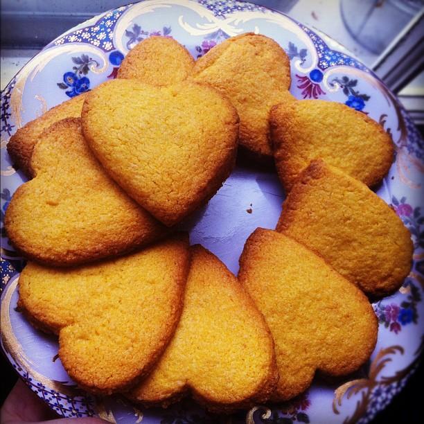 custard cream hearts, honeybuns, bakery, uk, gluten free