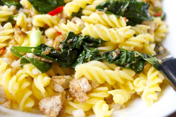 gluten free, lemon, chilli, spinach, pasta, garlic, breadcrumbs