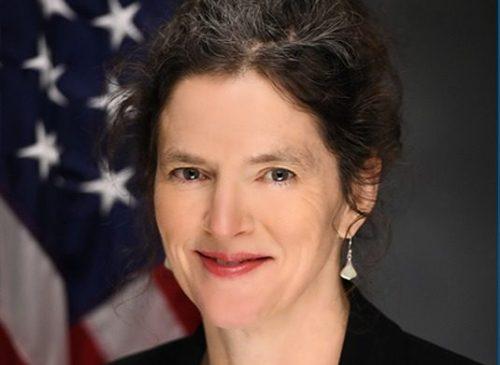 Jen Metzger headshot