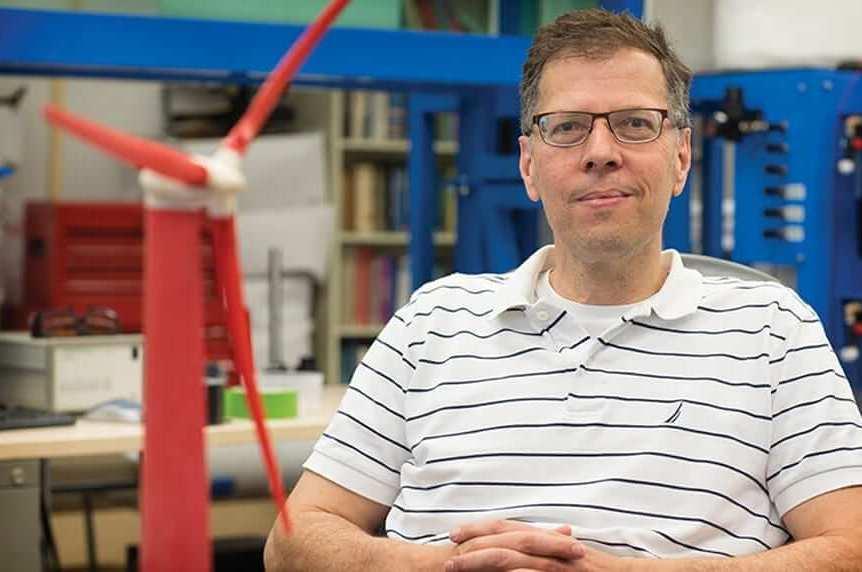 University of Virginia Professor Eric Loth