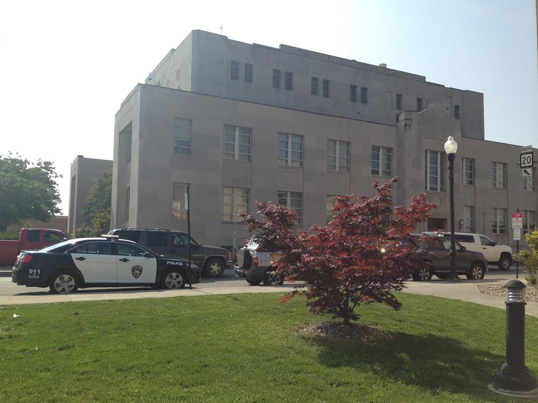 Mercer County Courthouse with Police Car_1520274653181.jpg.jpg