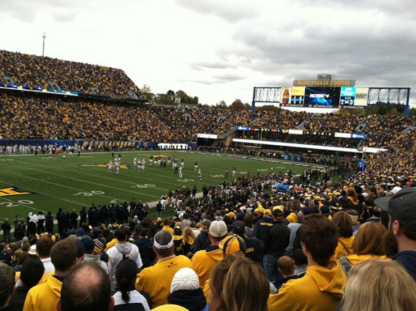 Mountaineers take down the Bears, 41-27