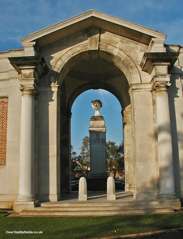 The Flying Services Memorial, Arras