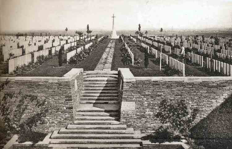 Guards Cemetery between the Wars. Photo: J. Souillard