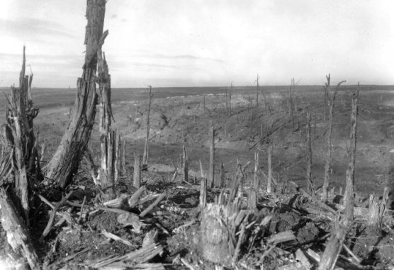 A wartime view of the battlefield at Beaumont Hamel. Q1523: Photograph courtesy of the Imperial War Museum, London.