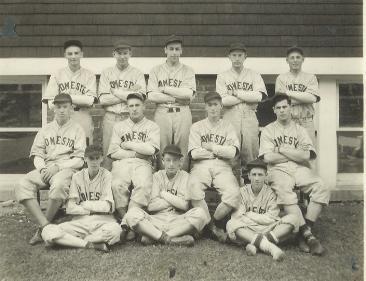 baseball team with robert burlison