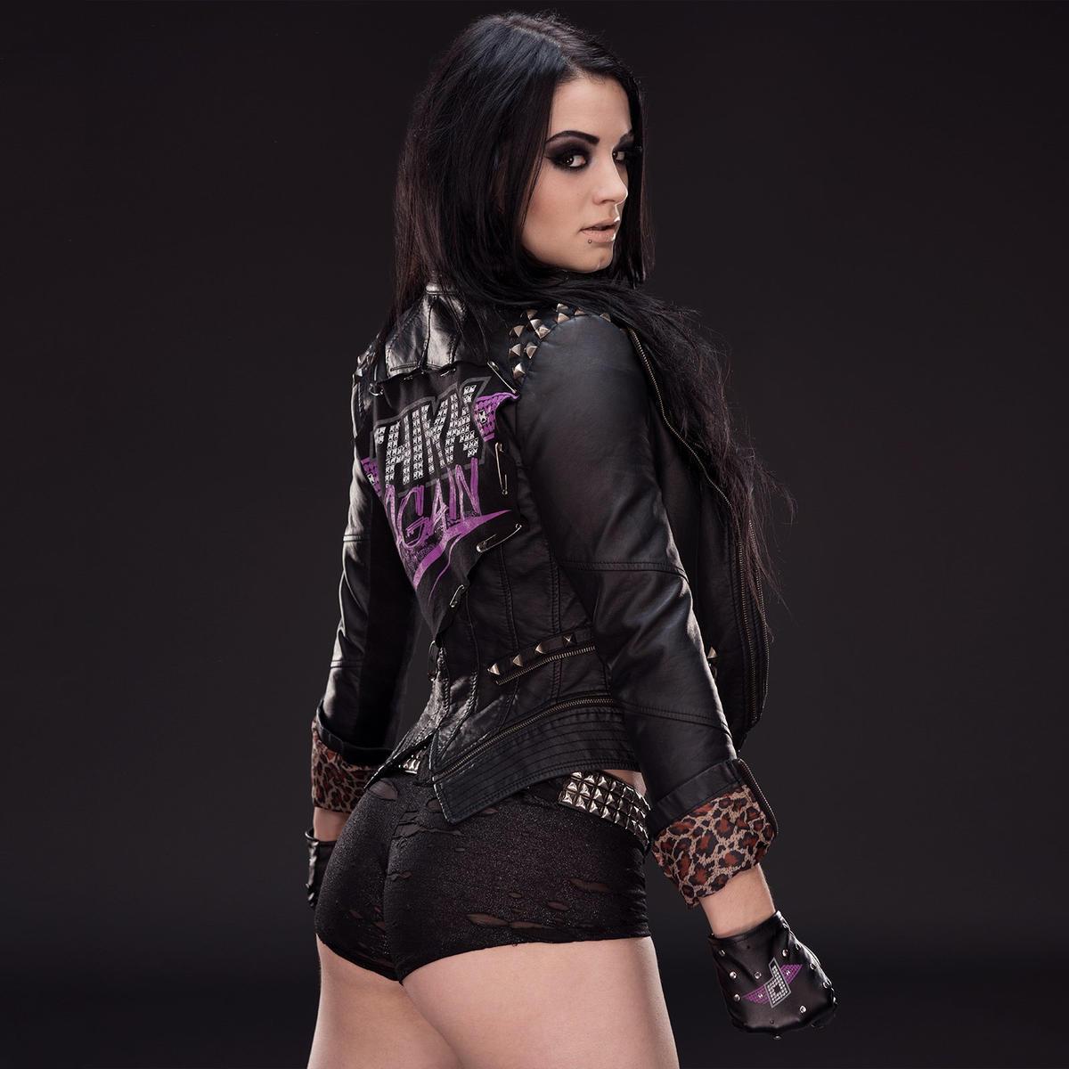 Mandy rose smirfitts speech for Paige diva