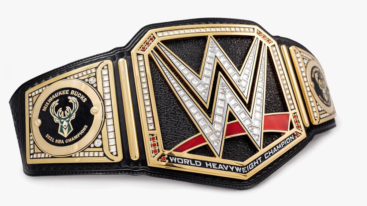 Milwaukee Bucks & Giannis Antetokounmpo celebrate 2021 NBA Championship with custom WWE Title