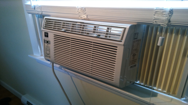 air-conditioner-window-unit_636979