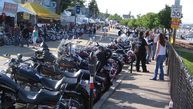 1280px-Laconia_Bike_Week_2007_Line-up_1528462570570_44856594_ver1.0_640_360_1528485420708.JPG