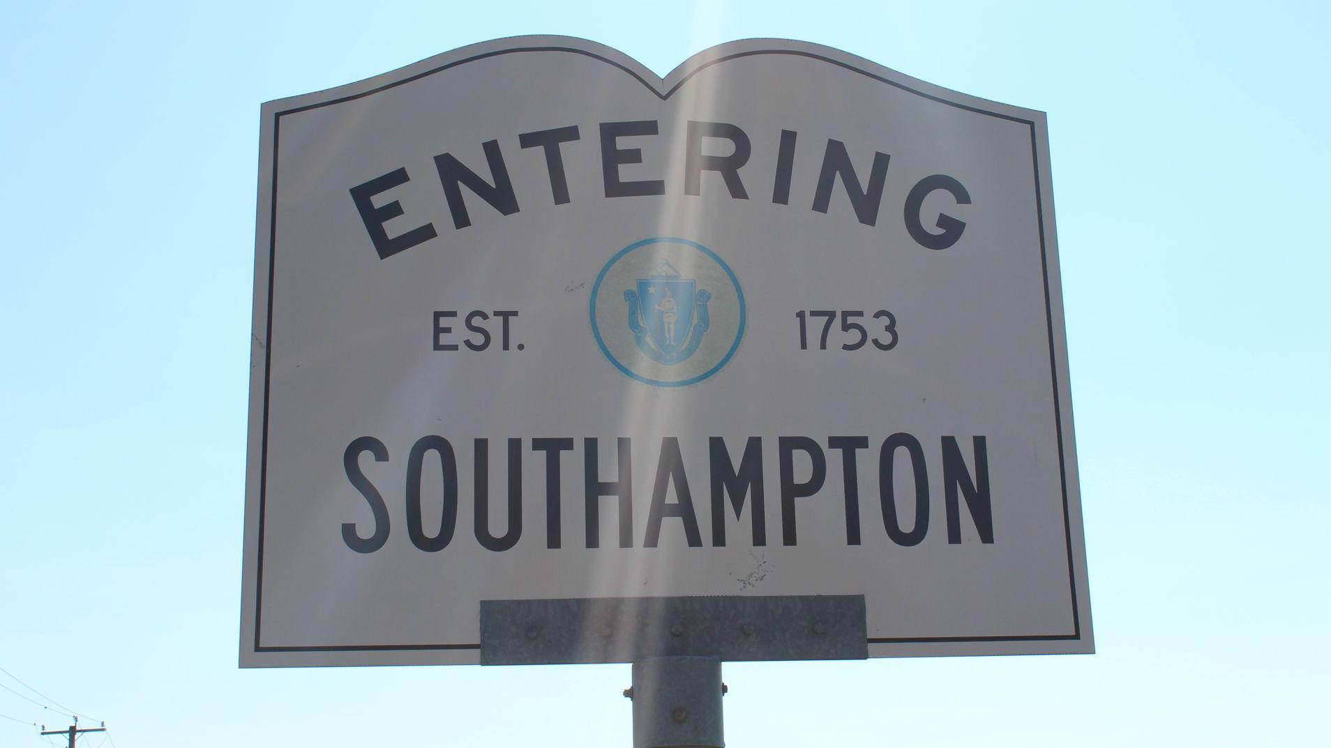 TownSigns_Southampton_1535410964945.jpg