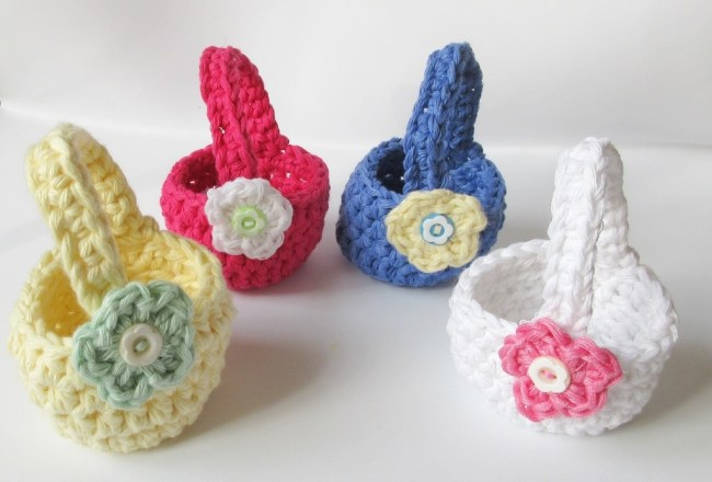 Crochet Mini Easter Baskets