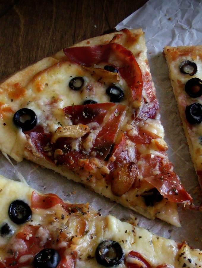Garlic Prosciutto Pizza