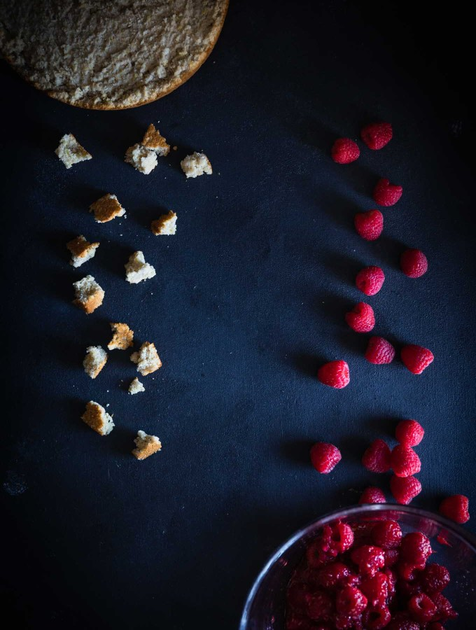Dark Food Photography | Moody Photography | Chiaroscuro | Baking | Dessert | Food Blogging