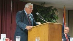 Sen. Mike Enzi at the Petroleum Association of Wyoming meeting