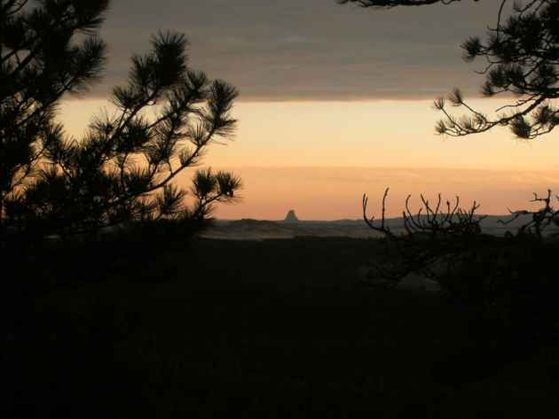 The Black Hills have some of the most beautiful sunsets during the spring time. Devils Tower is framed in the distance by these wonderful colors.(Jane/Flickr - click to enlarge)