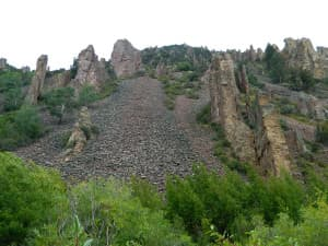 We traveled along the creekbed; the scree fields and vertical rock walls made cross-country travel from ridge to ridge both challenging and alluring. I'd like to return to explore that territory, though.(click to enlarge)