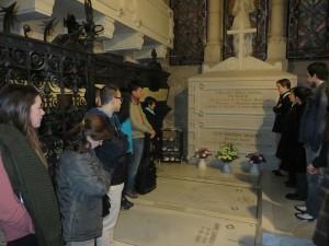11. Visita a la tumba de Fernando Rielo