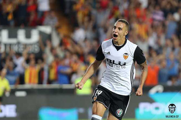 Atletico Bidik Penyerang Valencia Jika Antoine Griezmann Pergi