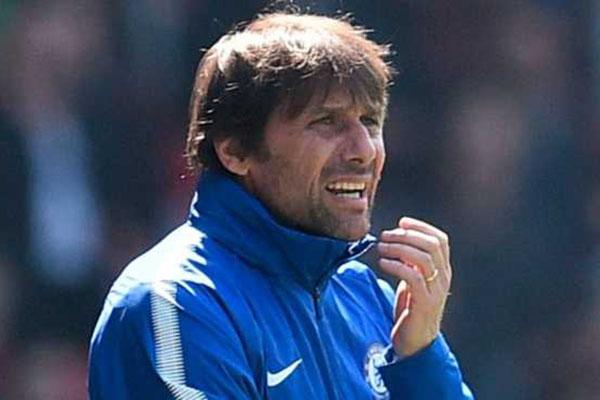 Barcelona Tertarik Gunakan Jasa Antonio Conte Musim Depan