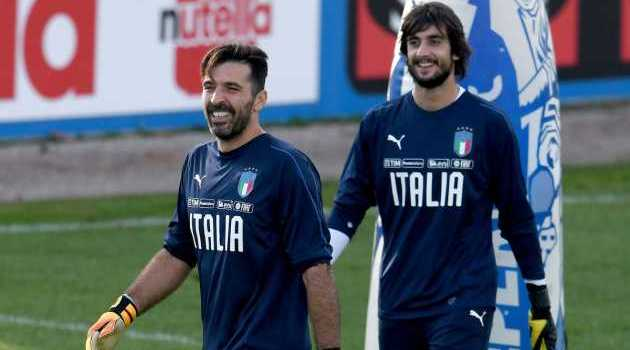 Kiper Anyar Juventus Mattia Perin Minder Dengan Gianluigi Buffon