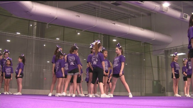 Niles, Ohio cheerleaders qualify for state championship in Chicago_37157