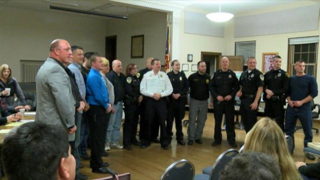 Lowellville Police swearing in_58061