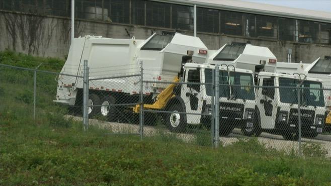 Youngstown garbage trucks_83637