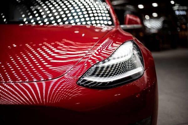 Action Tesla