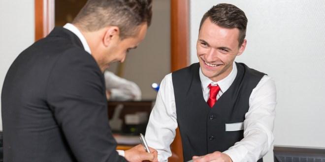 اعلان توظيف مشرف المكتب الأمامي في الإمارات