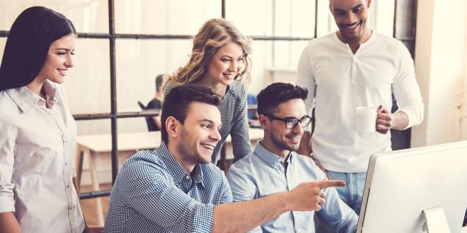 اعلان توظيف مساعد أول - إستراتيجية العملاء في الإمارات