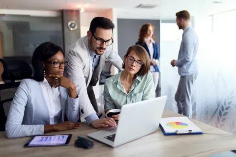 اعلان توظيف فرصة تدريب - مدقق مبتدئ في الإمارات