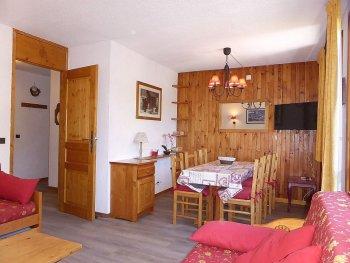 Eethoek en kamer van appartement Souche 15