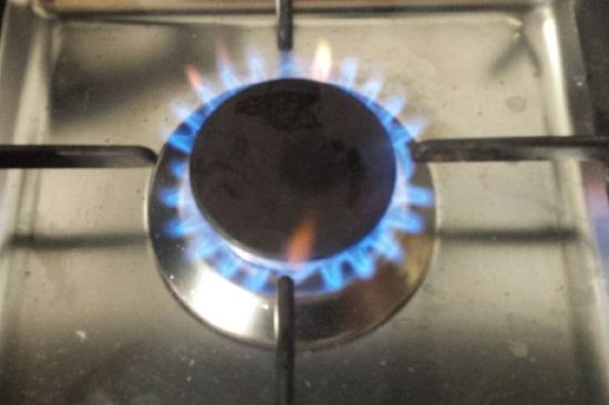 Durch einen Gasvergleich den Gasanbieter wechseln und Geld sparen.