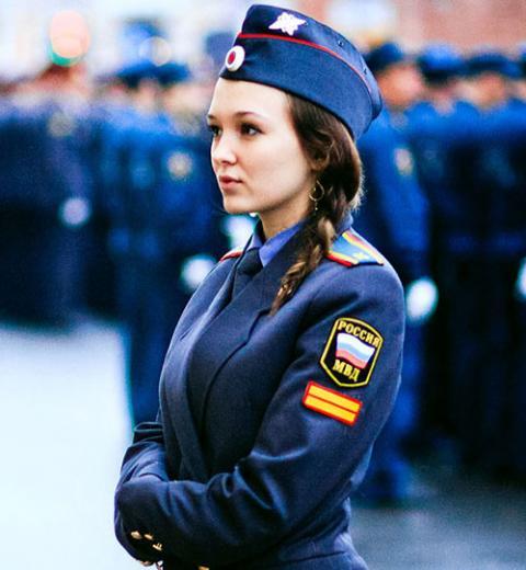 Hình ảnh quyến rũ của nữ cảnh sát các nước