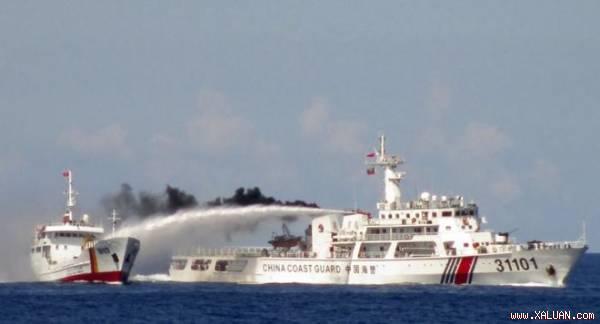 Tàu Hải cảnh Trung Quốc tấn công tàu cảnh sát biển Việt Nam trong vụ đưa giàn khoan Hải Dương 981 xâm phạm vùng đặc quyền kinh tế và thềm lục địa của Việt Nam hồi tháng 5/2014.