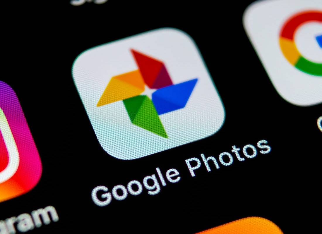 Google Photos Redesign Relocates Search Bar and Removes the Hamburger Menu