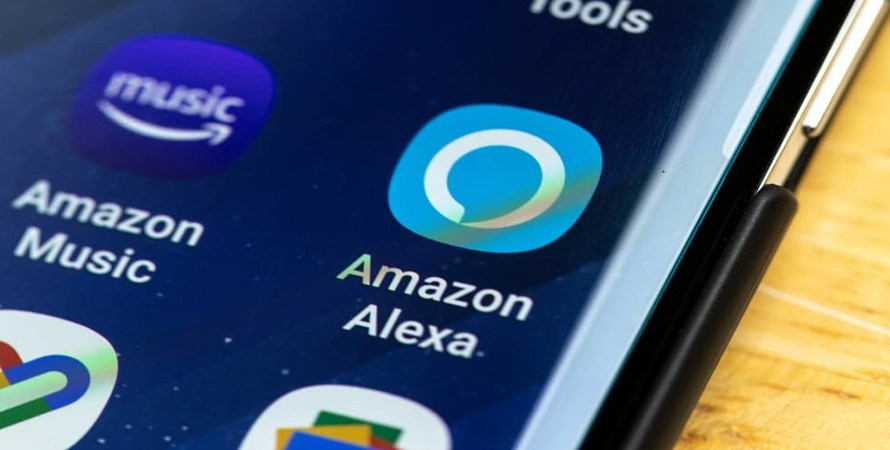 Amazon Quietly Equips Alexa to Interact with iOS Devices via Text