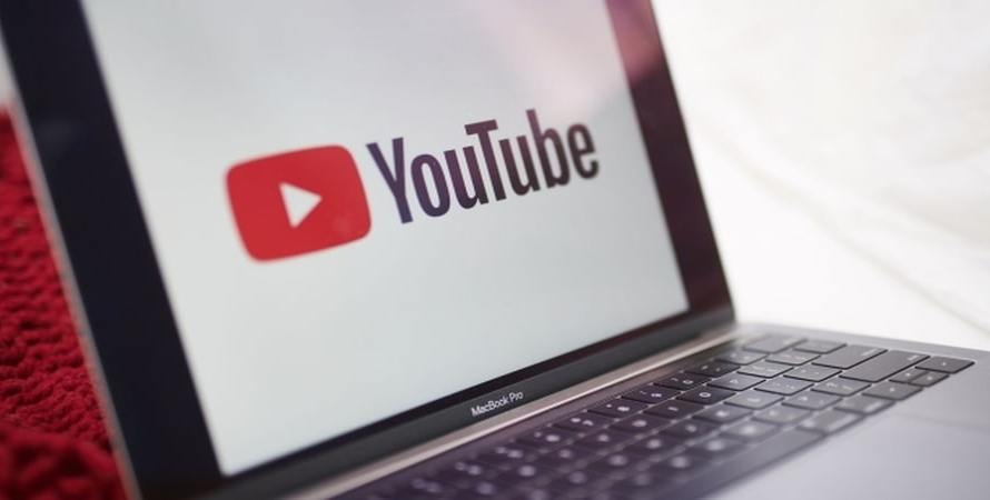 YouTube is Experimenting with Automatic Translations in Viewers' Native Languages