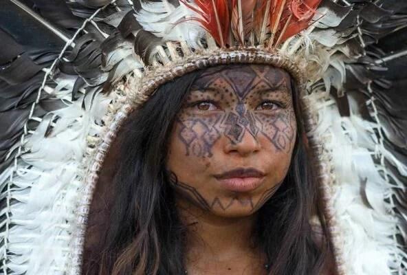 Resistência Indígena: sobre laços, caçadas e verdades que precisam ser ditas